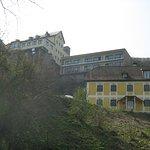 das Hotel von der Höttinger Au aus