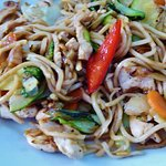 stir fry veg, chicken and noodles