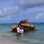 tanque emblemático de guerra en la playa