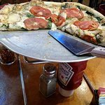 Foto de Johnny's New York Style Pizza