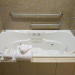 King Suite Corner Whirlpool Tub