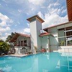 The Senani Hotel Foto