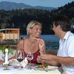 Abendessen auf der Seeterrasse