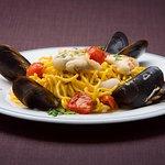 Dalla carne al pesce ogni nostro primo piatto è curato nel minimo dettaglio.