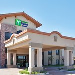 ‪Holiday Inn Express Hotel & Suites Atascadero‬