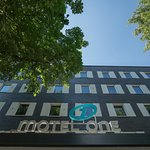 Motel One Hamburg Airport Web