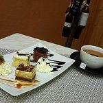 Café-Vinothek im Hof