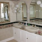 His and hers washbasins in the Charlotte Room