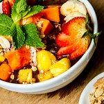 Acai na Tigela y frutas: Super saludable y delicioso