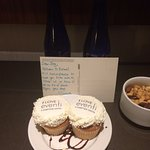 Always greeted with amazing cupcakes, nut medley and some sort of beverage. Had flat/sparkling w