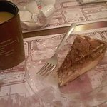 Cheesecake and coffe, nom