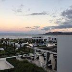 الفندق رائع بكل المقاييس وخصوصا في هذا الوقت نهاية نوفمبر  المبنى رائع  الاكل ممتاز