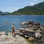 Malawisjön med Cape Maclear i bakgrunden.