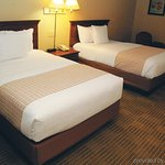 La-Quinta-Inn--Suites-Wayne-photos-Room_large.jpg