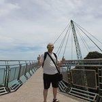 На мосту Скай Бридж