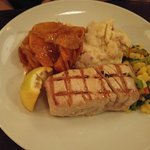 Very good grilled yellow fin tuna steak.