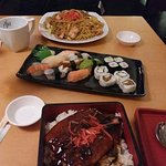 sushi plate, seafood fried noodles and Una-do