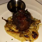 Grilled Angus with potato puree and red wine sauce