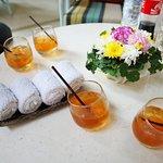 check in 的時候服務人送上的冰茶跟冰毛巾,都有淡淡的香氛味!!杯子的造型也超特別的!!