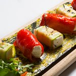 Peppers and zucchini white cheese rolls