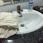 Photo of Manisanda Hotel