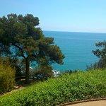 Vista al mar desde los jardines de Santa Clotilde