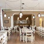 Le sale interne accolgono i clienti con un'atmosfera familiare e rilassante.