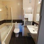 Salle de bain chambre 35