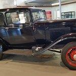 auto d'epoca perfettamente restaurata
