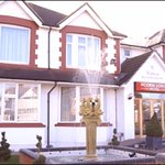 Acorn Lodge Gatwick- 10min. away from Gatwick Airport