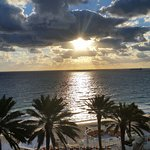 Photo de Hilton Fort Lauderdale Beach Resort