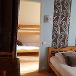 suite familiale chambre N° 3 : 1 lit double et 2 lits superposés