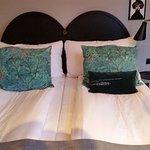 Sköna sängar med fina detaljer.