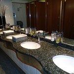 Η τουαλέτα για όλους τους πελάτες του ξενοδοχείου! Άψογη! Καθαρή!