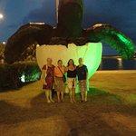 Em frente o oceanário de Aracaju