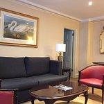 Suite 1001