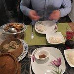 Soupe au poulet piquant, poulet saute pimenté, mochi thé vert