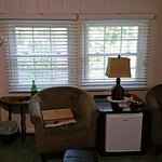 Laurel Springs Lodge - Paradise bedroom (armchairs and fridge)