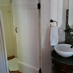 Laurel Springs Lodge - Paradise bedroom (sink and bathroom door))