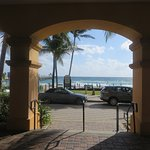 Hotel just across a one line street from the beach and walking distance to top restaurants.