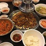 연탄 불고기와 7분 김치찌개