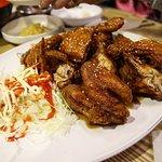 Twotwo Chicken Mugyodong照片