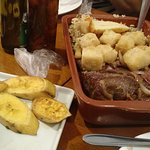 baião de dois com aipim, carne de sol e banana da terra