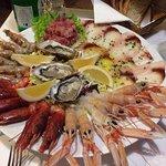Fantastico piatto di crudità di pesce!!