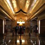 Photo de Royal Dragon Hotel