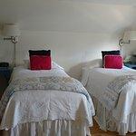 Maine - King bed split into 2 singles - 2