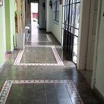 pasillo hacia las habitaciones