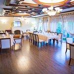 Sharq Hotel Image