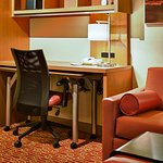 Foto de TownePlace Suites Mississauga-Airport Corporate Centre