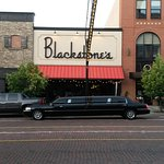 Carriage Town Livery | 810.743.5466 Blackstones Downtown Flint, Michigan Limousine Rental Servic